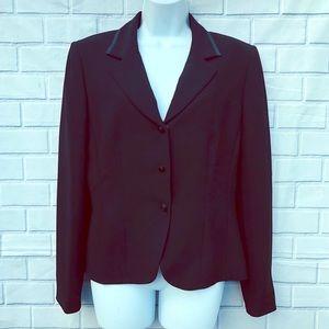 Tahari Blazer Size 10 Black Single Breasted